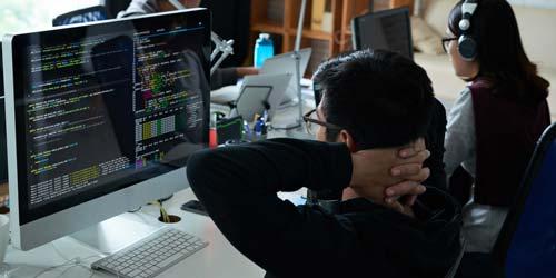 پردرآمدترین شغل های جهان - توسعه دهنده نرم افزار